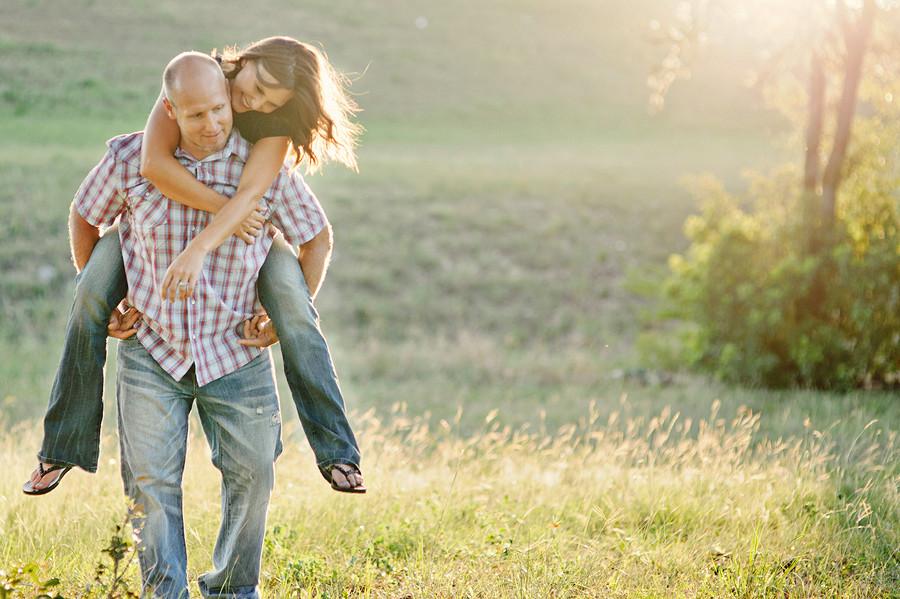 Chris and Jennifer | New Braunfels Engagement Session