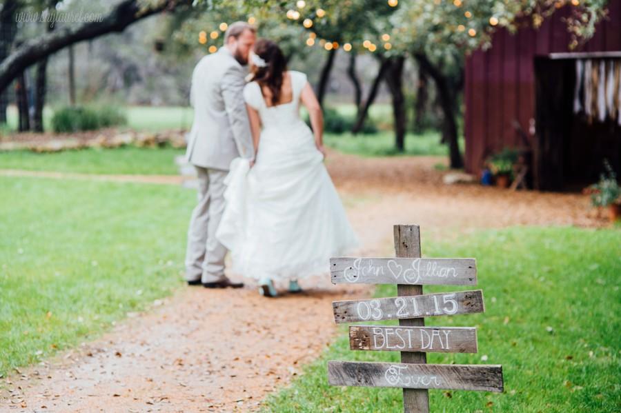 DIY Barn Wedding | New Braunfels Wedding Photographer | John and Jillian
